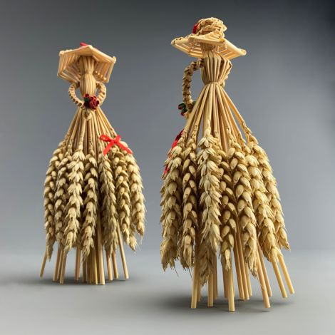 Corn Doll. Lady with Hat approx. 20 cm by 11 cm. Grown and hand made in the UK