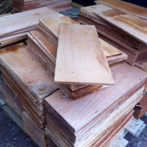 Cedar Shingles, approx. 42 cm by 15 cm, 14 to the square m. Roofing and cladding.