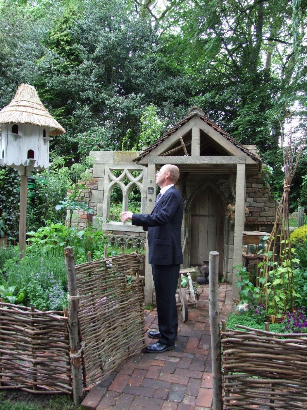 Hazel Hurdles Chelsea Flower Show - www.brandonthatchers.co.uk