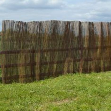 Willow Screening Roll, approx. 4 m wide by 2 m high with wire binders. Natural, budget screening