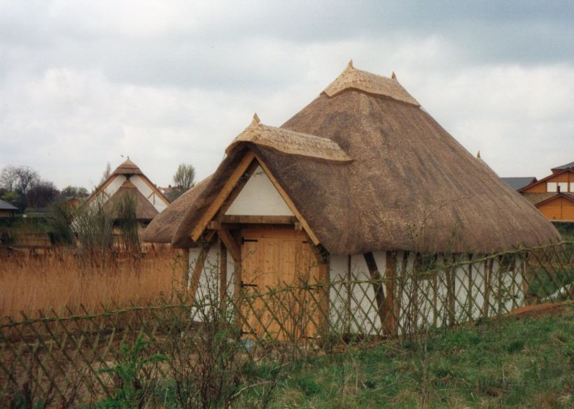 Services Thatching and country crafts.jpg